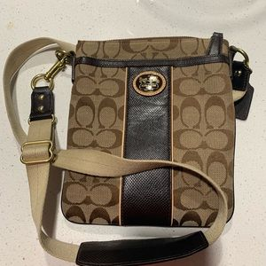 Coach cross over bag.